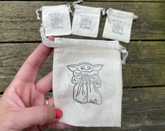 Baby Yoda w/Yarn Drawstring Pouches