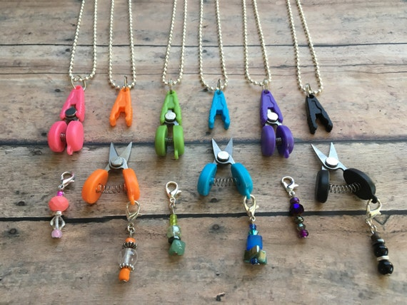 Scissor/Stitch Marker Necklace - Removable knitting crochet marker & travel/plane thread snips!