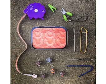 Owls: The Knitter's Tool Tin with notions for your knitting bag