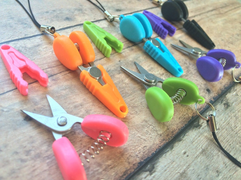 Travel scissors  Miniature snips great for image 0