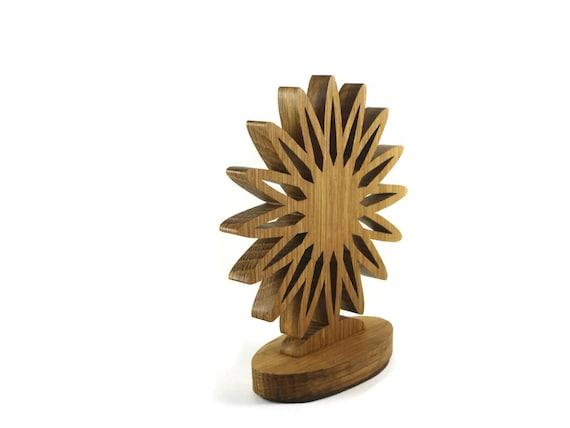Fleur de bureau ou une étagère horloge fait main à partir de bois