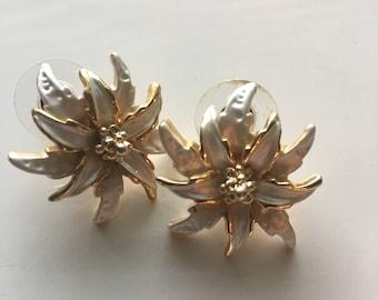 Vintage White Enamel & Gold Flower Stud Earrings