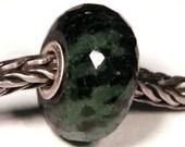 Gemstones by Anne Meiborg - Artisan europian charm bead -  small core - BHB - Ruby Zoisite - 10697