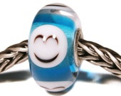 Lampwork by Anne Meiborg - Artisan charm bead small core - BHB glass bead - Blue smiley - 11291