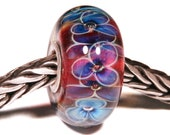 Lampwork by Anne Meiborg - Artisan charm bead small core - BHB glass bead - Pink BLue Flowers - 11246
