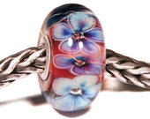 Lampwork by Anne Meiborg - Artisan charm bead small core - BHB glass bead - Pink BLue Flowers - 11240