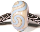 Lampwork by Anne Meiborg - Artisan charm bead small core - BHB glass bead - Sky blue - 10596
