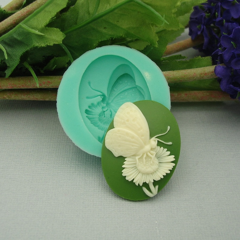 Jewelry Polymer Clay. Resin Silicon Mold  White Flower Flexible  for Crafts Scrapbooking