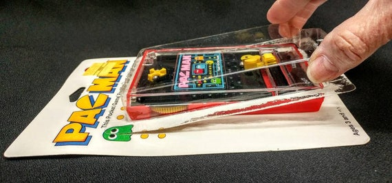Pacman Table Game >> Vintage Handheld Pacman Pocket Game And Pacman Pen On Card Plastic Is Partially Open Appears Unused Original Price Tags 18702