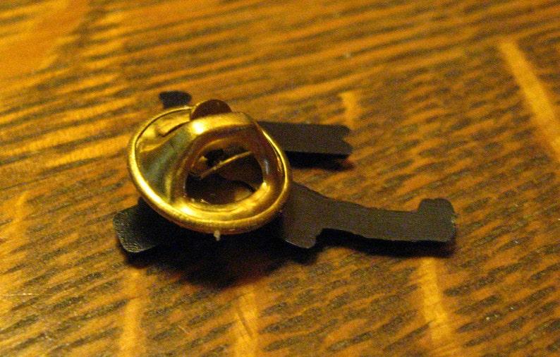 Spiral 1988 Lapel Pin Vintage Coachman Guard Long Horn Bugle Trumpet Call Pin