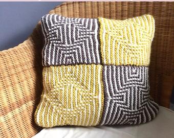 Illusion cushion knitting kit , slip stitch knitting , mosaic garter stich knitting decor pattern ,  autumn fall throw pillow , knit diy