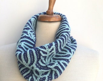 Cowl Knitting Pattern , Brioche knit , unisex snood pattern , knitting fashion pattern ,  hand knit gift for knitters
