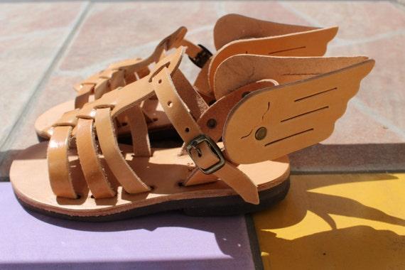 Enfantsavec Grecquespour Des Ailes Les Sandales PZiuOkXwT