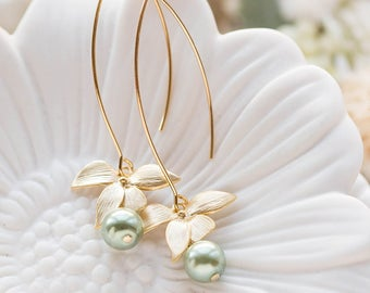 Sage Green Pearl Earrings with Gold Flower, Olivine Sage Green Wedding Bridal Earrings, gift for mom wife girlfriend sister, gift for her