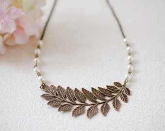 Large Leaf  Branch Necklace. Antiqued Brass Leaf Cream Ivory Pearls Necklace. Leaf Choker, Bridal jewelry, Woodland Jewelry, wedding