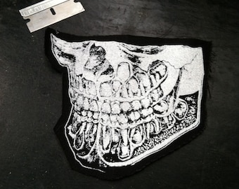 Anatomic lower Skull Patch, with teeth
