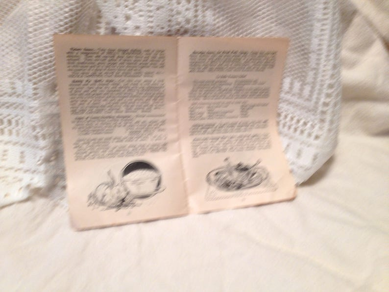1922 Paperback Booklet Recipies by Famous Hotel Chefs and Cooking School Teachers Wm G Bell Co 2nd Edition