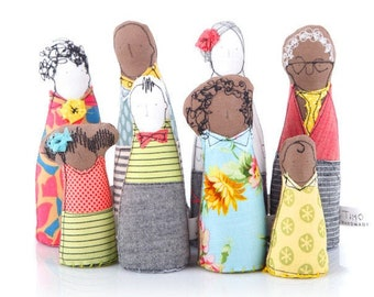Mixed Family, Dollhouse dolls, Family Portrait, Handmade Miniatures, 12th scale dolls, Dollhouse family, Handmade fabric doll, 8 Characters