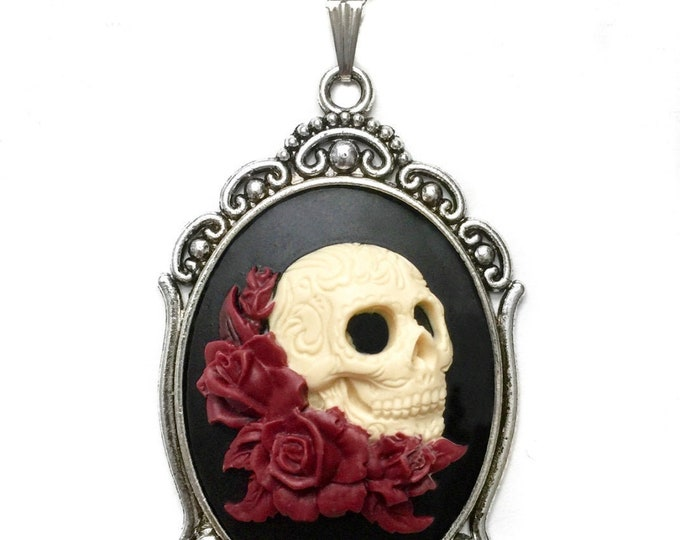Day of the Dead Cameo Skull Necklace