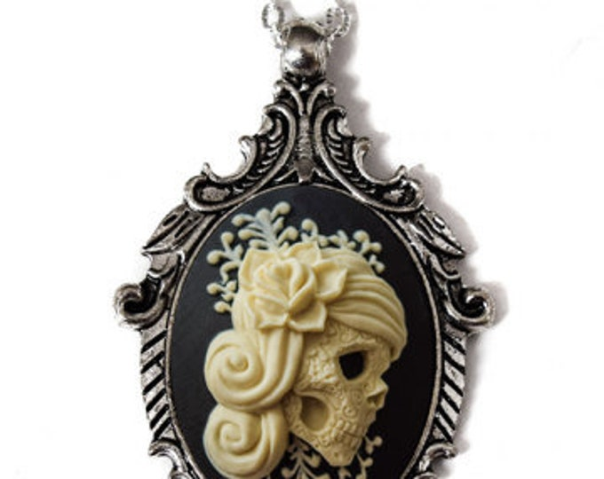 Victorian Lady Cameo Necklace