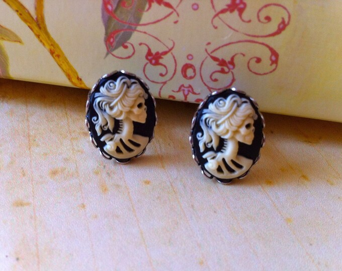 Gothic Ivory Lady Skeleton Cameo Cufflinks - Victorian Day of the Dead Zombie