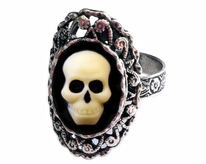 Skull Ring - Day of the Dead Jewelry - Halloween Wedding