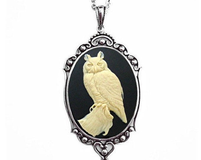 Wise Owl Cameo Necklace