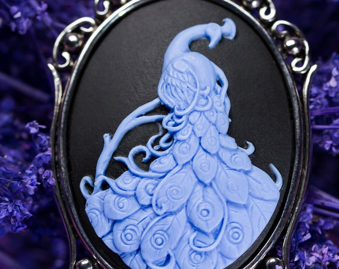 Peacock Cameo Necklace - Violet Blue - Fantasy Jewelry