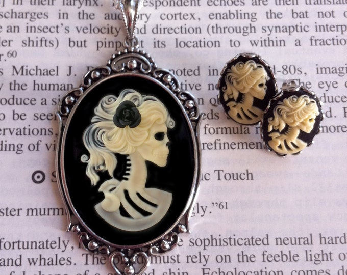 Skull Cameo Necklace Earrings Set - Lolita Ivory Goddess - Black Rose