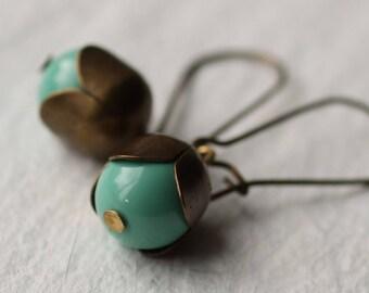 Turquoise Flower Bud Earrings, Leaf Earrings, Acorn Jewelry, Tree Earrings, Boho Jewellery, Leaf Jewellery, December Birthstone
