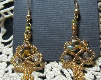 Twin Floret Earrings - Hand sewn bead weaving