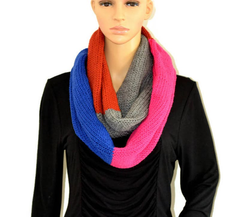 Chunky Scarf Knit Scarf Colorblock Scarf Infinity Scarf image 0