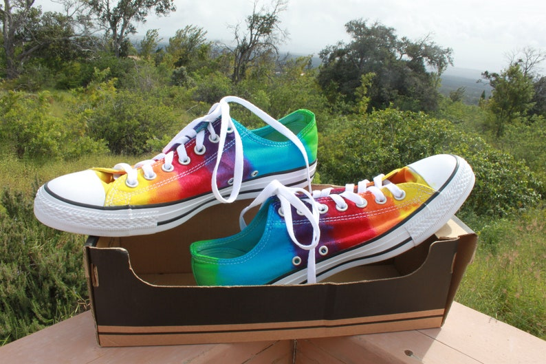 Tie Dye Converse All Star Chuck Taylor Shoes High Top Size 10  7a983cb4d