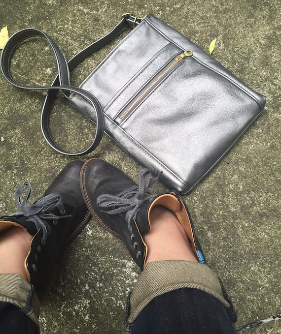 Leather Crossbody bag, Cross Body Bag in YOUR CHOICE of leather - Laurel Dasso