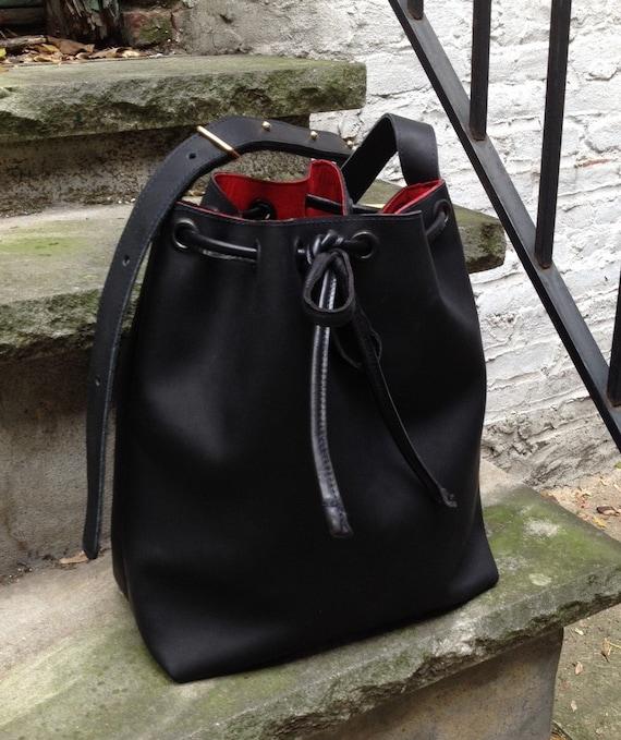 Leather bucket bag Cinched bucket bag Black Oiled Leather  Large bucket bag handbag tote - Laurel Dasso