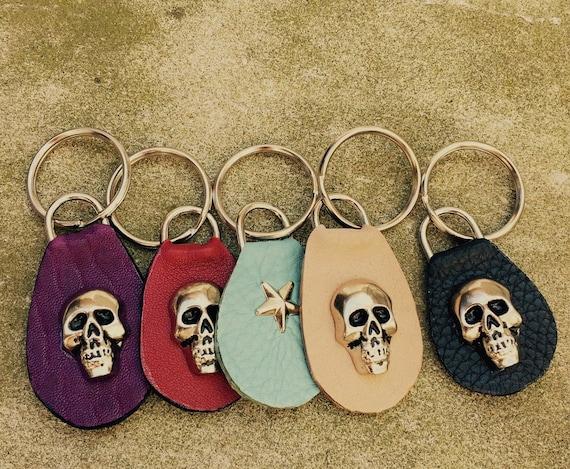 Leather Keyring with heavy skull rivet or star - Laurel Dasso