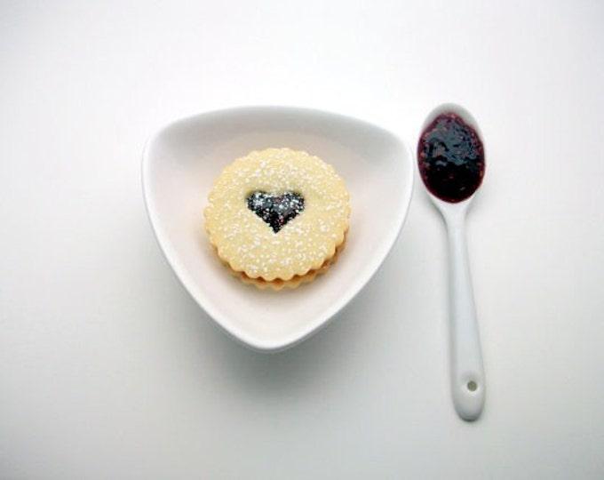 Gourmet Raspberry Linzer Cookies (12 count) Babiekin Magazine.