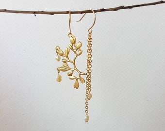 Asymmetric Pearl Earrings, Long Chain Earrings with Tiny Pearls, Gold Plated Mismatched Half Twig Earring with Leaves, Dainty Nature Jewelry