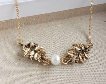 Rustic Leaf Necklace, Woodland Fern Leaves Choker, Antique Gold Botanical Leaf and Pearl, Nature Lover Gift, Bohemian Dainty Fall Accessory