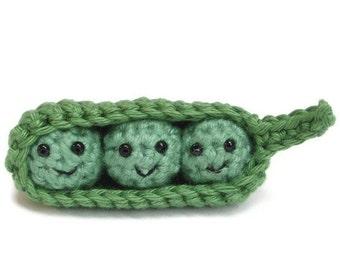 Crochet peas in a pod pattern, peas in a pod, amigurumi pdf, collectible crochet art