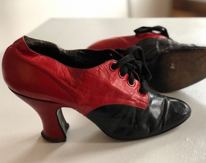 1920s Flapper Era  Red and Black Patent Leather Shoes sz 8