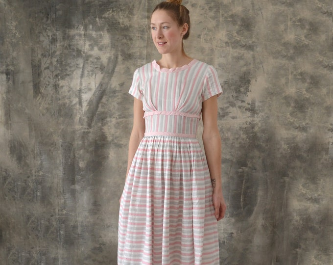 1950s Pink and Grey Candy stripe Dress size M