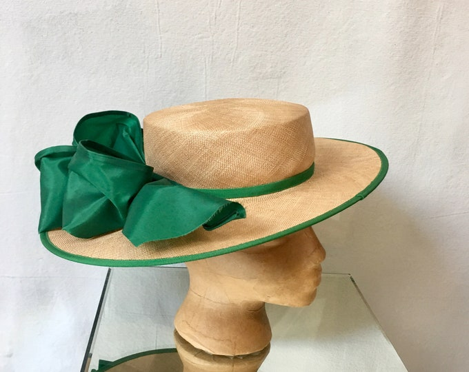1940s Straw Hat w Emrald Green Ribbon