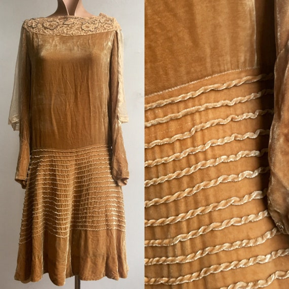 1920s Autumnal Gold Velvet  Flapper Dress with Lac