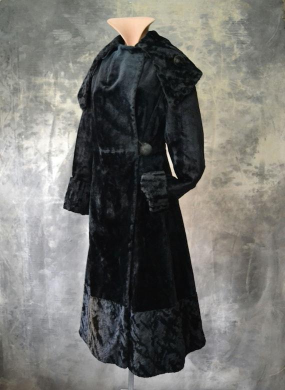 Edwardian Mohair Velvet Coat - image 2