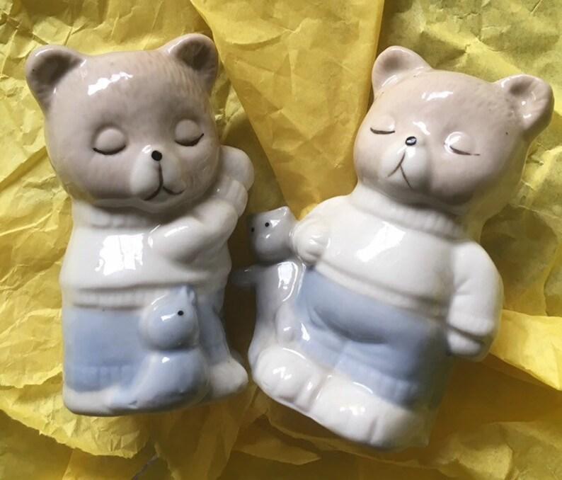 Vintage Artmark sleeping bears salt and pepper shakers