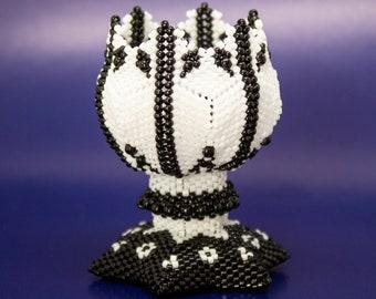 Beading Pattern - Tutorial -  Ornament - The Tulip Vase - PDF download - Peyote Stitch - Peyote Star - Circular Peyote - Peyote Triangles