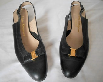 Vintage Salvatore Ferragamo black leather Flats