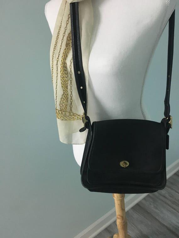 8a5e1cac74 Genuine Coach Black Leather Shoulder Bag Adjustable Strap