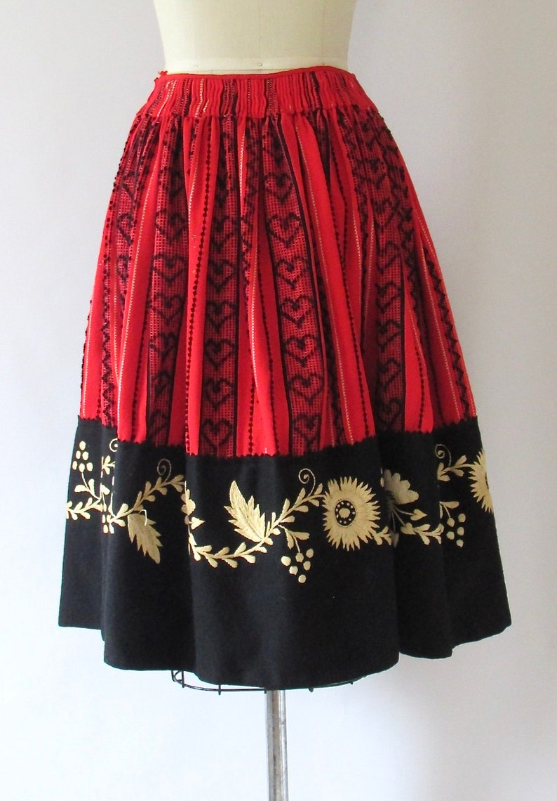 40s 1940s NICE FOLK Vintage 50s Skirt Boho 1950s East European Hungarian or Romanian Embroidered Wool Full Skirt Size Small Peasant